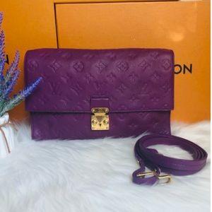 💖LOUIS VUITTON  Empreinte Leather Crossbody Bag🍒